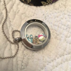 Origami owl necklace. 3 charms